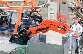 Audi AG: Neue Mensch-Roboter-Kooperation in der Audi-Produktion