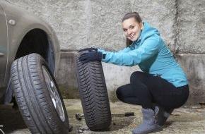 CosmosDirekt: Wenn Schnee und Kälte kommen: Vier Tipps für sicheres Autofahren im Winter