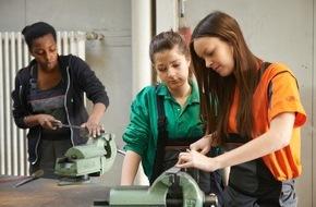 Ford-Werke GmbH: Duales Ausbildungssystem von Ford als Vorbild