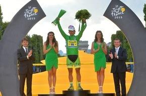 Skoda Auto Deutschland GmbH: Christopher Froome gewinnt Tour de France - SKODA Glastrophäen für die Sieger