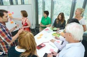 HPI Hasso-Plattner-Institut: Hasso-Plattner-Institut trainiert Innovatoren im Managen von Komplexität mit Design Thinking (FOTO)