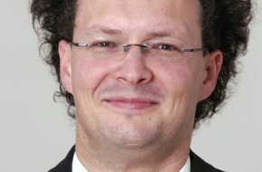 KPMG: KPMG Lehrstuhl für Audit und Accounting besetzt - Zum Wintersemester 2005/2006 startet Prof. Peter Leibfried sein Engagement am neugeschaffenen Lehrstuhl der Universität St.Gallen