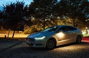 Ford-Werke GmbH: Neue Lichtsysteme von Ford erkennen Mensch und Tier, Leuchtkegel werden nach GPS-Informationen angepasst