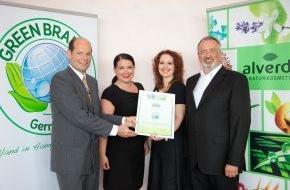 Green Brands: alverde NATURKOSMETIK von dm-drogerie markt wird zur GREEN BRAND Germany 2012/2013 ausgezeichnet