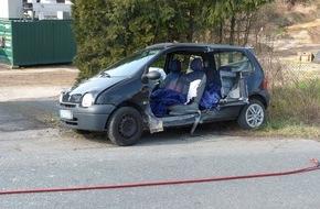 Feuerwehr Detmold: FW-DT: Verkehrsunfall mit zwei verletzten Personen
