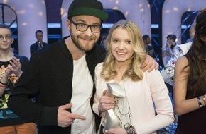 """Der Kinderkanal ARD/ZDF: """"Dein Song"""": Victoria ist """"Songwriterin des Jahres 2015"""" / Siegersong """"Maniac"""" überzeugt im Live-Finale bei KiKA"""