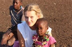 Plan International Deutschland e.V.: Toni Garrn gründet Stiftung und startet Projekt in Simbabwe / Das erfolgreiche Model weitet sein Engagement für Plan International aus