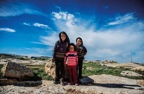 Help - Hilfe zur Selbsthilfe e.V.: Flüchtlingshilfe - Help unterstützt Flüchtlinge in Serbien mit 230.000 Euro
