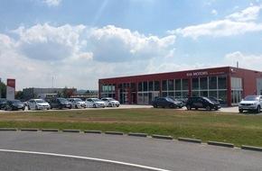 KIA Motors Deutschland GmbH: Auto-Dom Pforzheim: Größtes und modernstes Kia-Autohaus der Region eröffnet