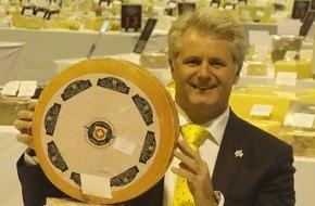 Affineur Walo von Mühlenen: Der Schweizer Affineur Walo von Mühlenen ist erneut einer der erfolgreichsten Teilnehmer am World Cheese Award 2015 mit 2 Käsen in der Finalrunde der besten 16 und insgesamt 12 Auszeichnungen