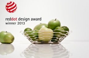 Manor AG: La coupe à fruits La Vague de Manor récompensée du « red dot award: product design 2013 »