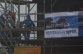 Sprint Sanierung GmbH: Operation am offenen Herzen / Sprint entkernt das Stellwerk von Mülheim