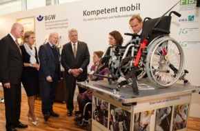 Berufsgenossenschaft für Gesundheitsdienst und Wohlfahrtspflege: Fürsorgetag: Bundespräsident informiert sich bei BGW über sichere Mobilität von Menschen mit Behinderungen