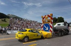 DEKRA SE: Zitterpartie an der Baustelle / Bundesweite DEKRA Umfrage zu Autobahnbaustellen