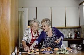 Migros-Genossenschafts-Bund Direktion Kultur und Soziales: Percento culturale Migros: le tavolate organizzate autonomamente uniscono le persone anziane / 5 anni di TAVOLATA (IMMAGINE)