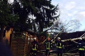 """Freiwillige Feuerwehr Bedburg-Hau: FW-KLE: Bedburg-Hau: Zahlreiche Einsätze durch Sturmtief """"Niklas"""""""