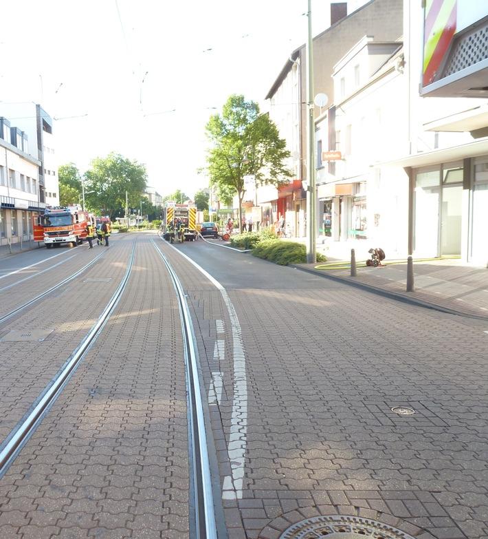 FW Dinslaken: Wohnungsbrand in Dinslakener Innenstadt