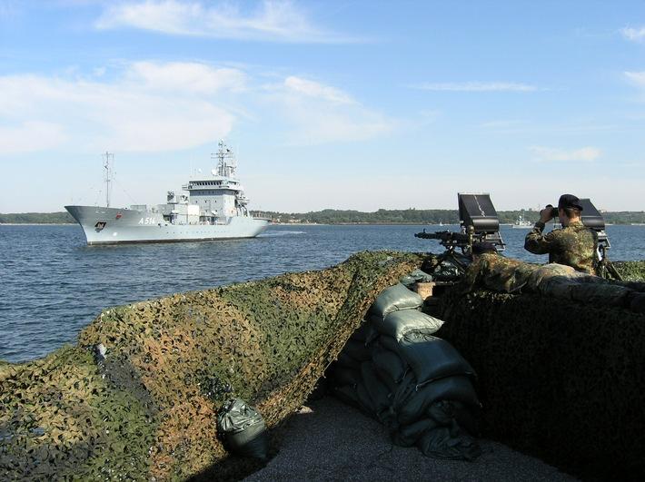 Marine - Pressemitteilung / Pressetermin: Kommandowechsel an der Spitze der Einsatzflottille 1