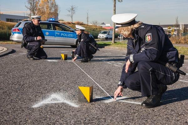 POL-REK: Kradfahrer schwerverletzt - Erftstadt