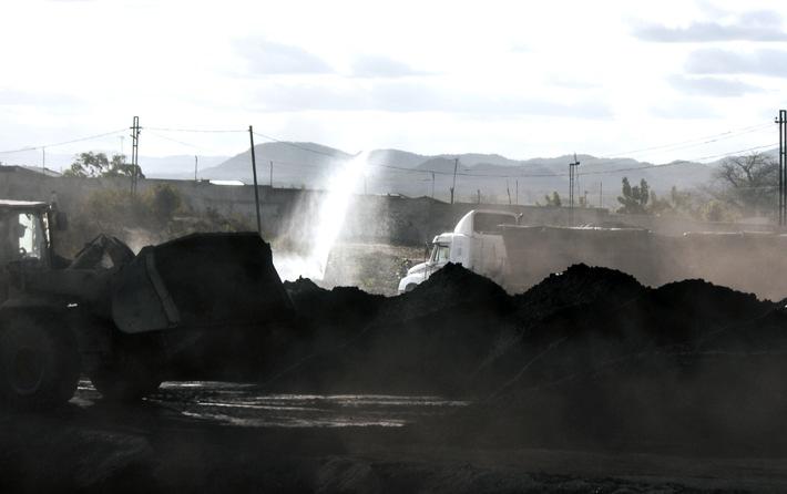 Studie: ThyssenKrupp nimmt Menschenrechtsverletzungen für Stahlproduktion in Kauf