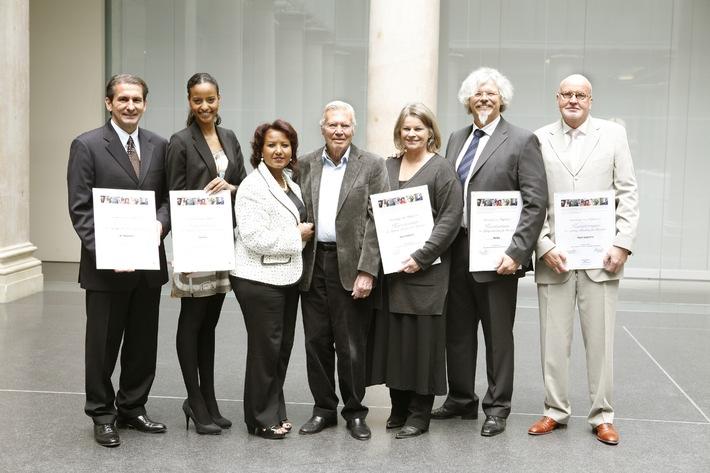 Menschen für Menschen verstärkt Stiftungskuratorium (mit Bild)