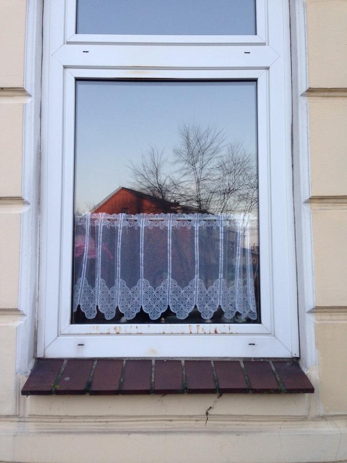 POL-FL: Schleswig - Versuchter Brandanschlag auf Wohnung einer syrischen Flüchtlingsfamilie