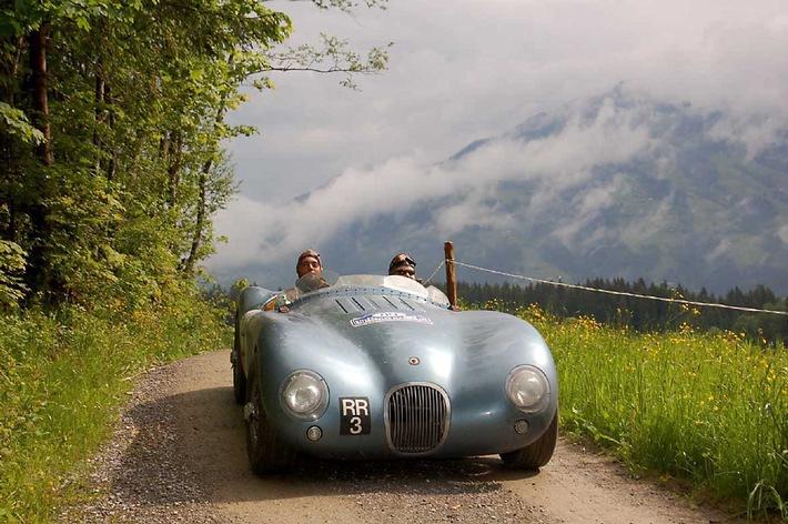 Die Kitzbüheler Alpenrallye: Lebendige Tradition auf vier Rädern - BILD