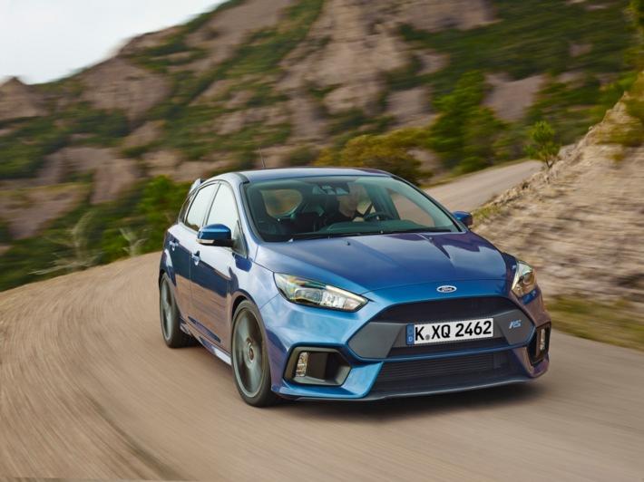 Serienmäßig 350 PS stark: Ken Block lässt den neuen Ford Focus RS in Goodwood erstmals von der Leine