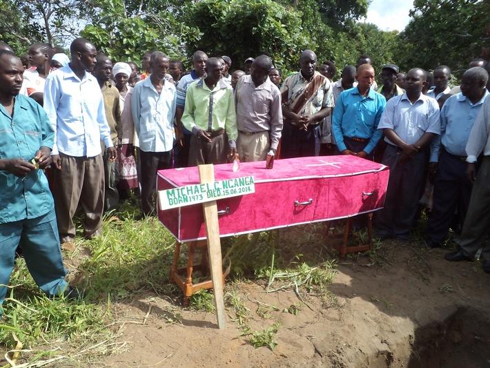 Kenia: Gründonnerstag ein Jahr nach Massaker von Garissa / Open Doors erinnert an systematische Verfolgung von Christen im Nordosten