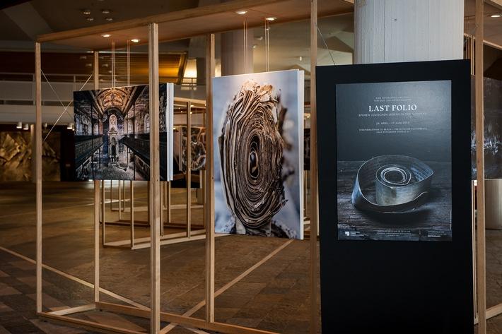 """Außergewöhnliche Foto-Ausstellung """"Last Folio"""" wird verlängert"""