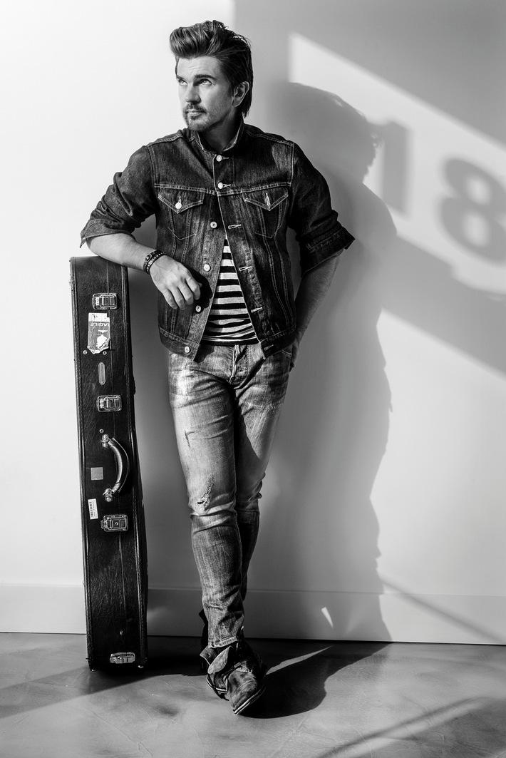 """Der mehrfache Grammy-Gewinner JUANES gibt eine spezielle Ausgabe seines Chart Spitzenreiter-Albums """"Loco de Amor"""" und Daten seiner Europa-Tournee im Juli bekannt"""