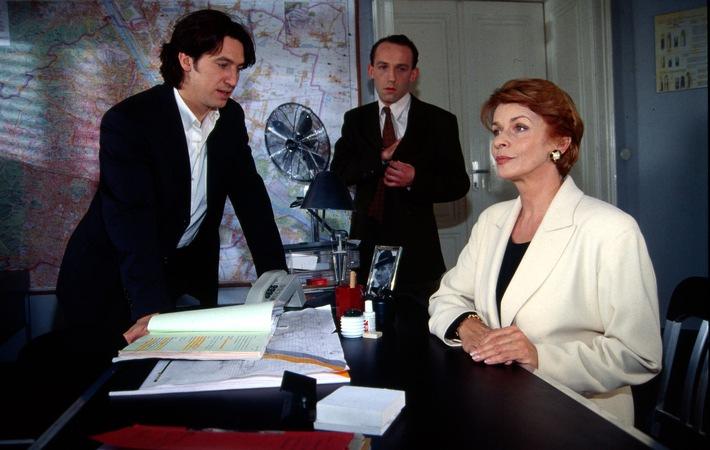"""Senta Berger als Gaststar in """"Kommissar Rex"""""""