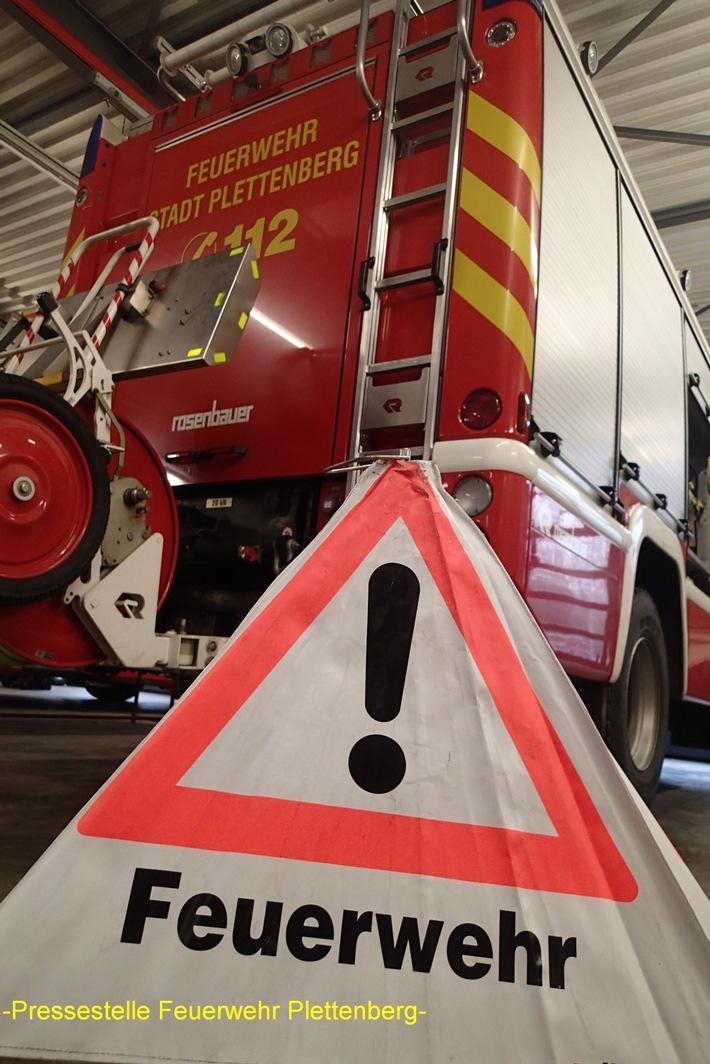 FW-PL: Bandriss an Walzanlage löst Feuerwehreinsatz aus. Löschanlage kann Brand vor Eintreffen der Feuerwehr löschen.