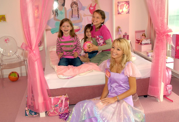Pink dreams for little girls - Ab sofort wird pink geträumt in Deutschlands erstem Barbie Hotelzimmer