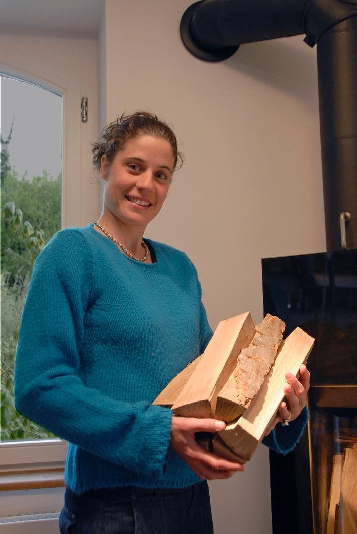 Holzenergie Schweiz: Frauen feuern an