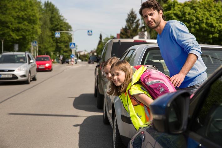 Sicher zur Schule: Übung macht den Meister / ADAC-Tipps für den Schulweg