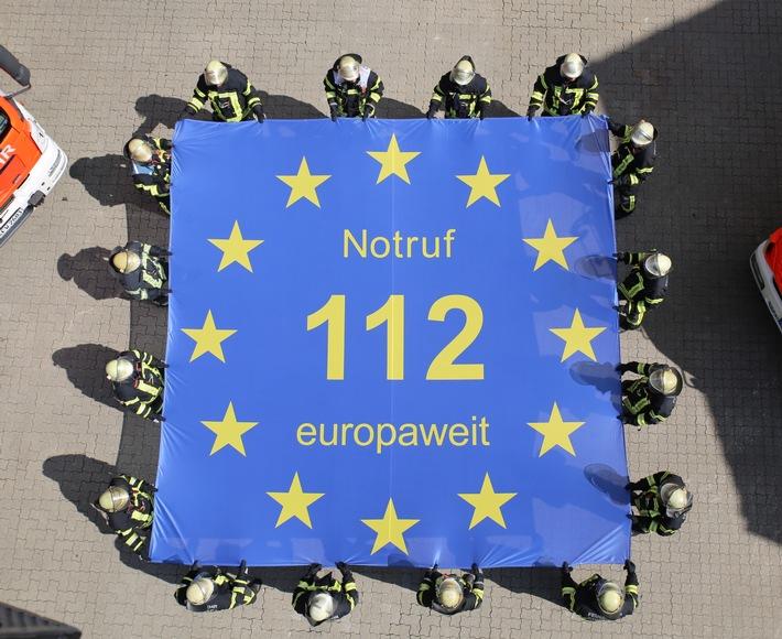 FW-CW: Lebensretter wird 25 Jahre alt. Der Notruf 112 rettet Leben - europaweit.
