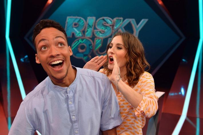 """No risk, no fun! Jeannine Michaelsen und Aurel Mertz moderieren Quiz-Comedy-Show """"Risky Quiz"""" auf ProSieben"""