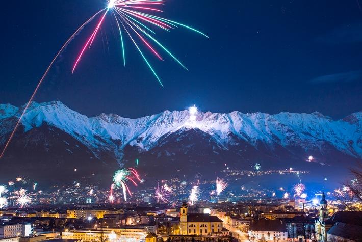 Innsbrucker Bergsilvester: Feurige Berge, tanzende Stadt - BILD