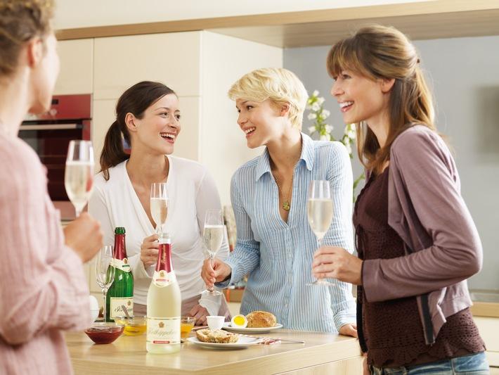 Rotkäppchen informiert über alkoholfreien Genuss / Die leichte Alternative für prickelnde Momente: Rotkäppchen alkoholfrei