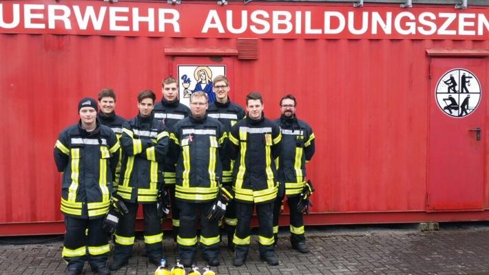 FW-OE: Sechs neue Atemschutzgeräteträger im Gemeindegebiet