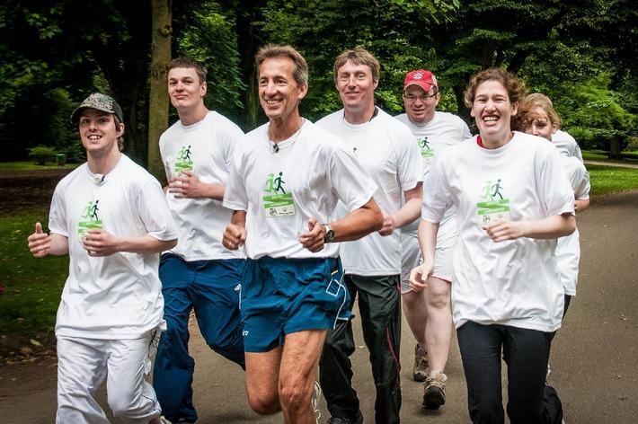 Lift Unified Laufgruppen nehmen zum ersten Mal an den Nationalen Sommerspielen von Special Olympics Deutschland teil - Athleten mit und ohne Behinderung gehen in Düsseldorf gemeinsam an den Start