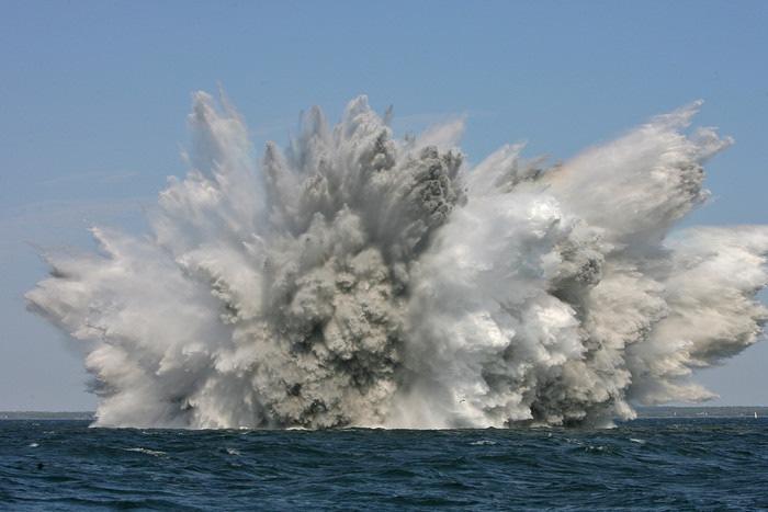 Deutsche Marine - Bilder der Woche: Deutsche Minentaucher sprengen Weltkriegsmunition vor Estland