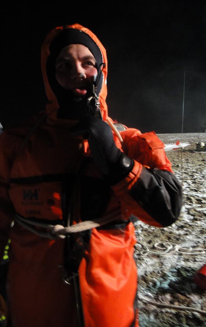FW-NE: Eisrettungsübung am kleinen Kaarster See