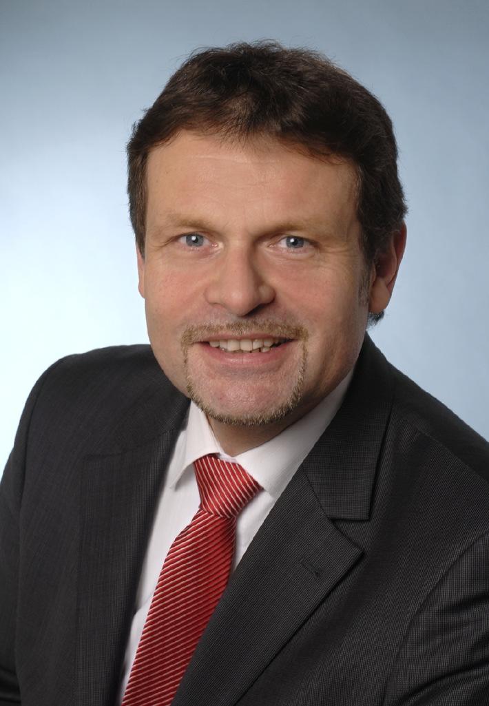 Wechsel in der Geschäftsführung bei Hapag-Lloyd Kreuzfahrten: Dr. Wolfgang Flägel übernimmt Aufgaben von Günther Brauer (mit Bild)