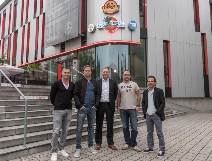 Sky bringt prominente Fußballexperten an den Stammtisch in Stuttgarter Sportsbar