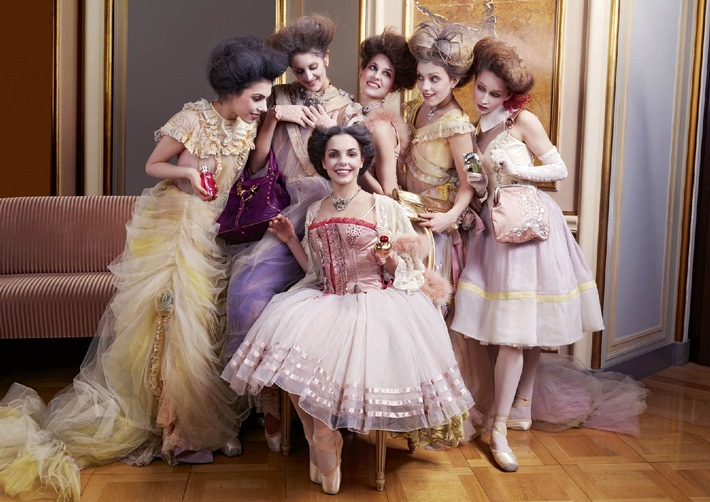Jelmolis Markenleidenschaft präsentiert von Tänzerinnen des Zürcher Balletts