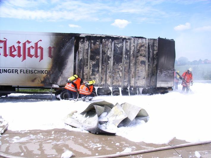 POL-HI: Brennender Sattelzug sorgt für langen Stau auf der A7