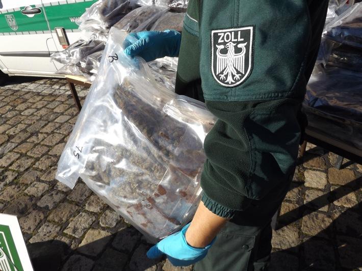 ZOLL-M: 75 kg Marihuana bei Rauschgiftübergabe sichergestellt /  Zollfahndung zerschlägt Marihuanalieferstruktur