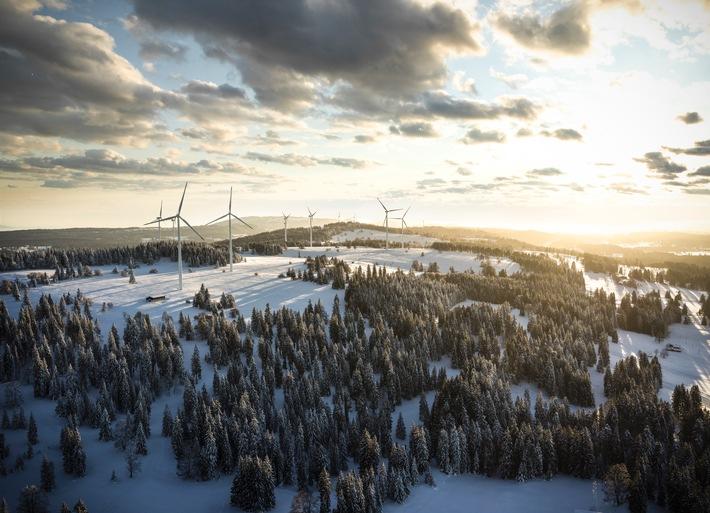 Windkraftwerk JUVENT SA / Rekordproduktion 2015, Ausbau 2016 und Infrarot-Lichter